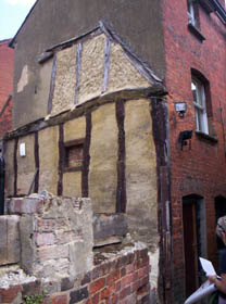 The Alley next to the Kings Arms, Sun Street